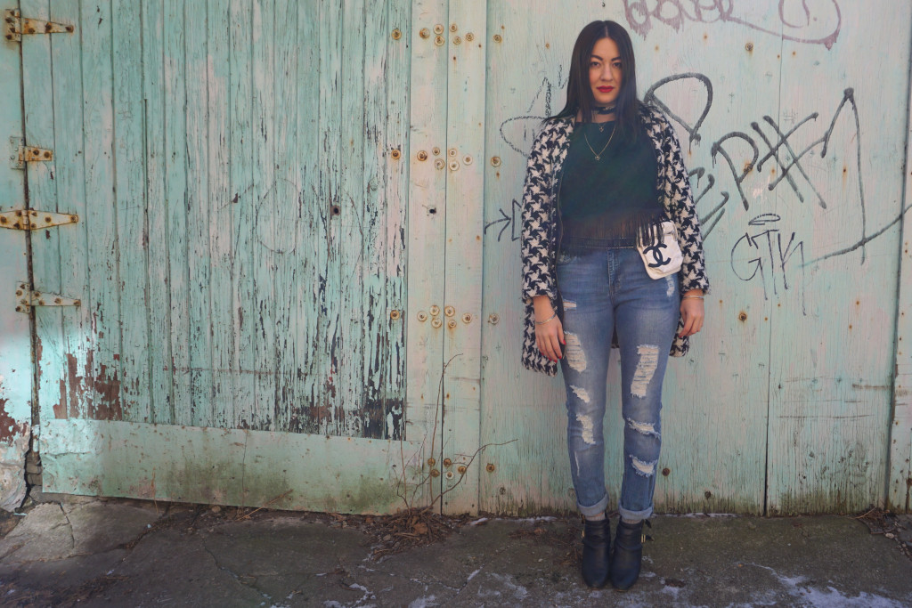 The Lady like Leopard, Canadian blogger standing in an urban setting in street wear
