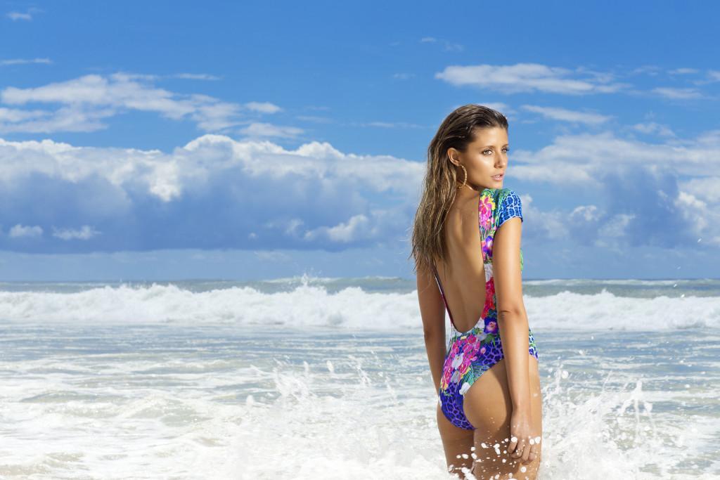 2016-Aqua-Blu-Alphinia-Back1